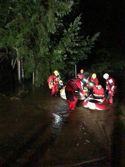 Evacuation due to flooding on Englishman River