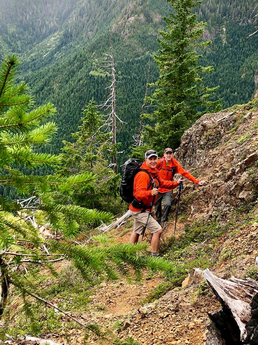 Climbing-Mt-Curran-with-a-colleague-from-Arrowsmith-SAR_05